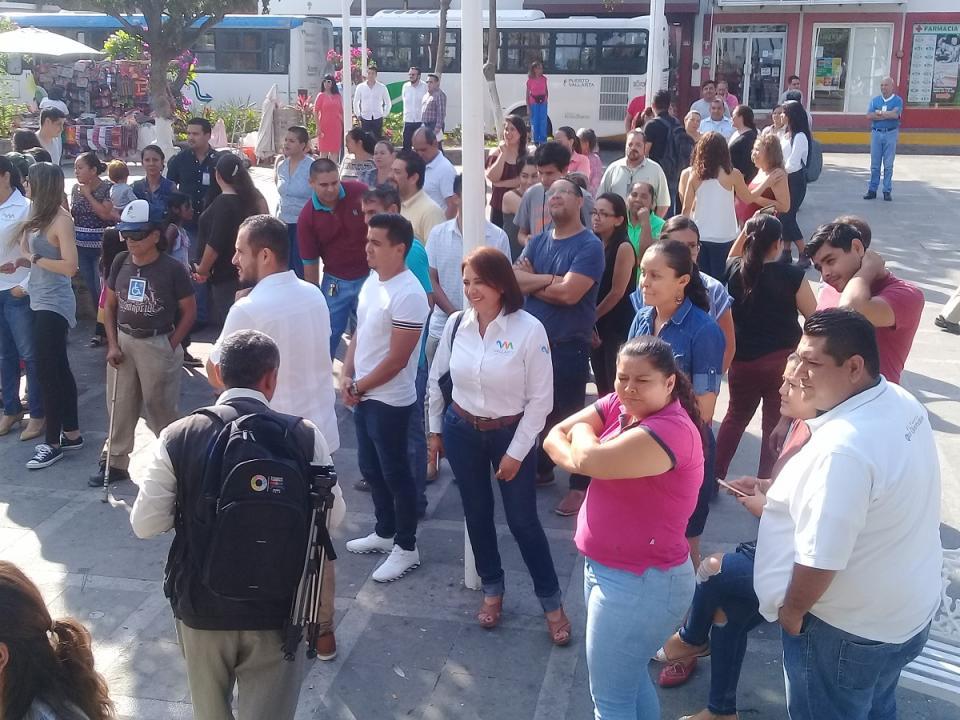 Desalojan Palacio municipal tras  simulacro de sismo 7.5 grados