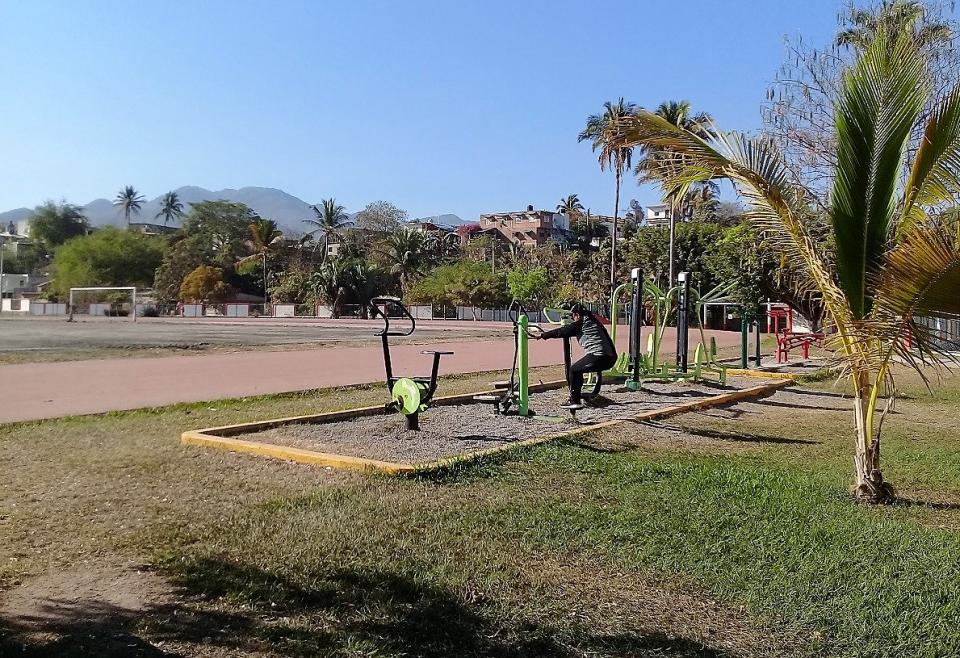 Se detiene por hacer mal uso de  la unidad deportiva La Bobadilla