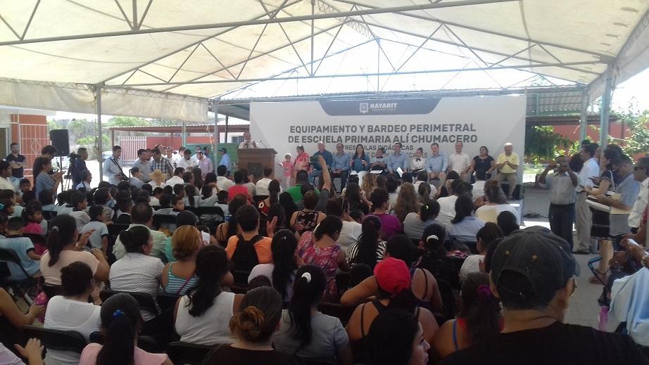 Realiza gobernador gira  de trabajo por Bahía