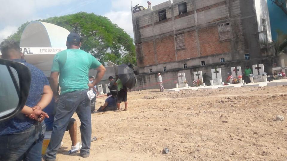 Va a sepultar a su abuelo… y termina  en un hospital de Puerto Vallarta