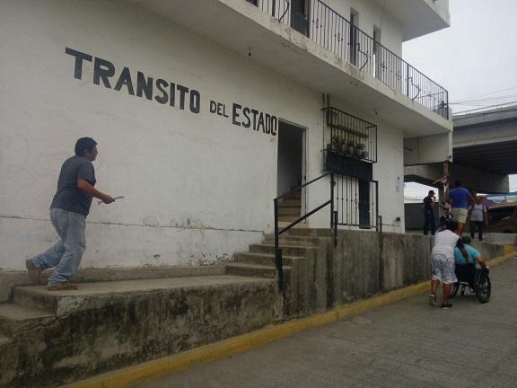 Indignas las instalaciones de  transito estatal en Mezcales