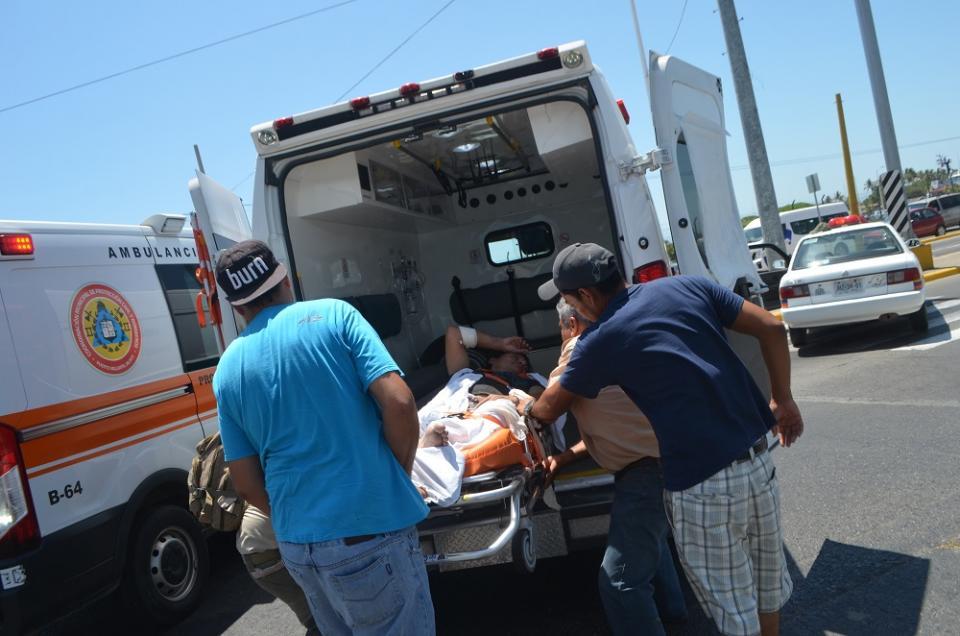 Un herido en choque  de ambulancia