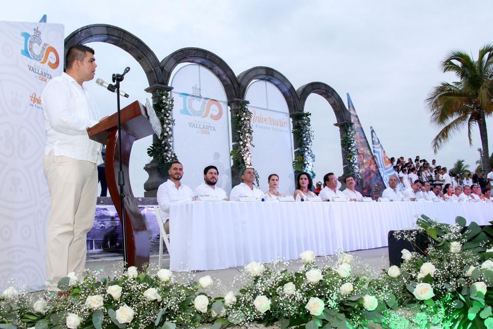 A lo grande y con su gente,  celebra Vallarta sus 100 años