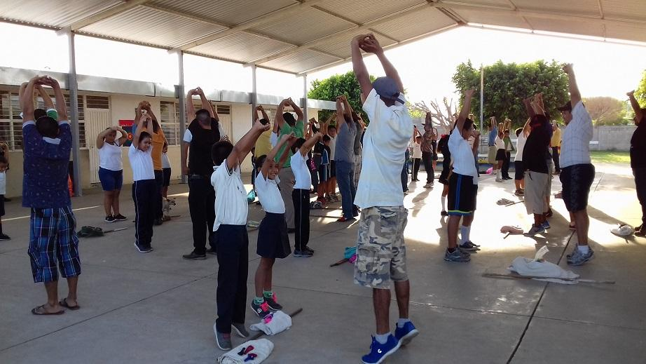 Festejan día del padre, en la  escuela primaria Emilia Ortiz
