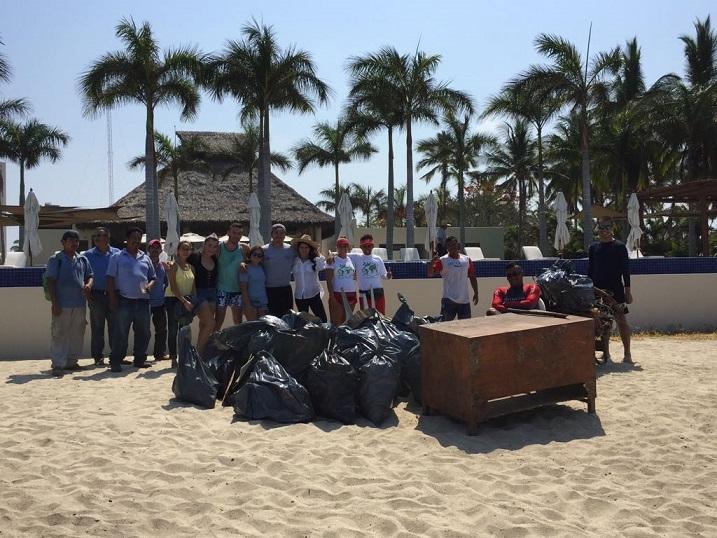 Retiran 300 kilogramos de basura de playa en 3 horas