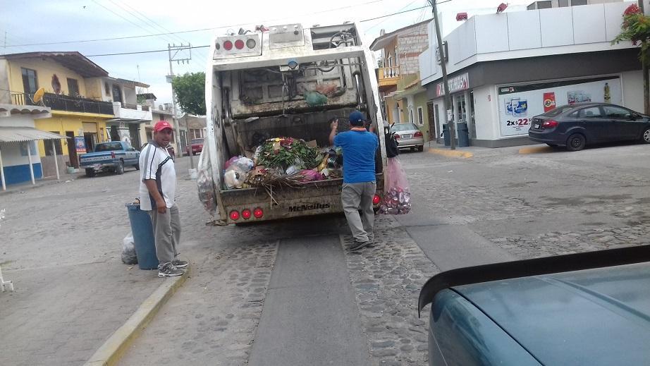 En San Juan de Abajo, vecinos realizan quemas clandestinas