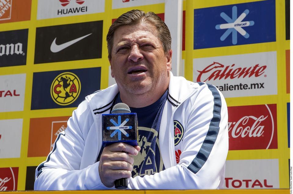 Herrera acepta obligación de ganar  títulos del Apertura 2018 y Copa MX
