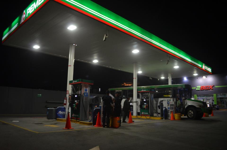 Asaltan gasolineras  los mismos sujetos