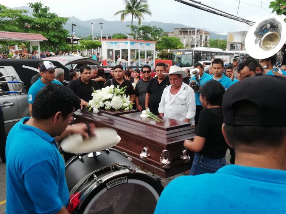 Dan último adiós a Adrián Gómez Meza