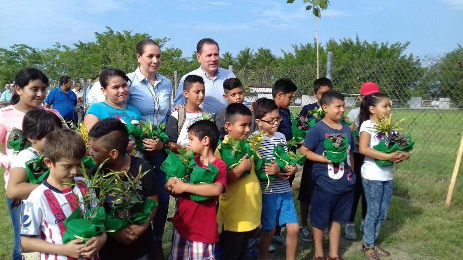 Reforestan Bahía, con motivo del Día del Árbol