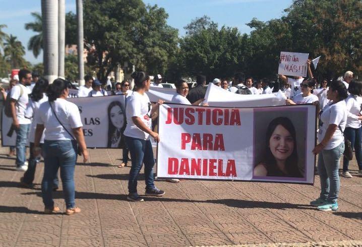 CRÓNICA DE UN BRUTAL FEMINICIDIO…  Antes de matarla, escondieron a  Daniela en San José del Valle