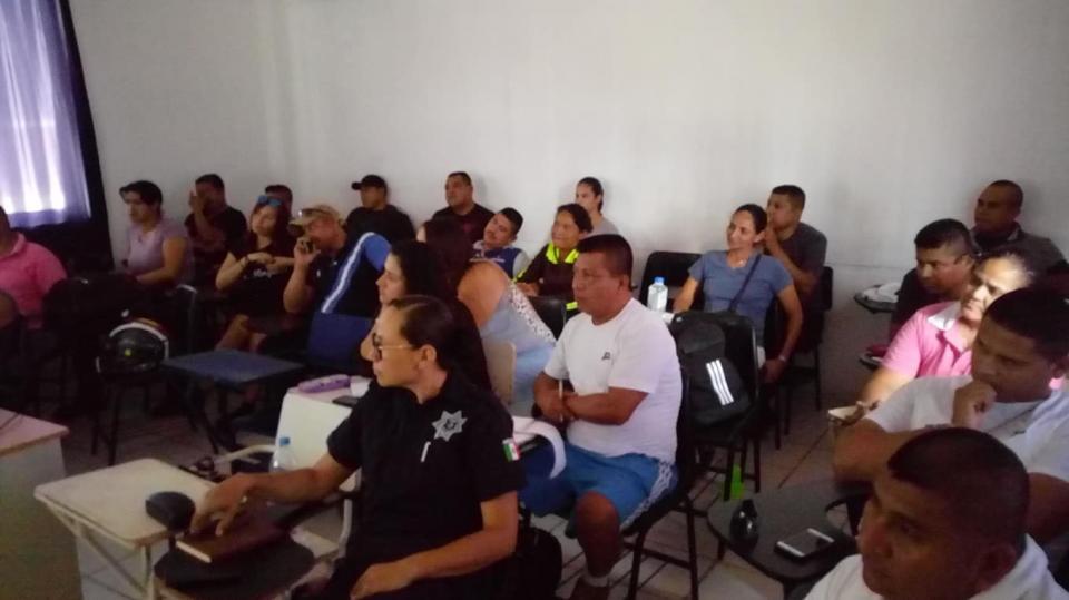 Imparten talleres de sensibilización hacia la comunidad LGBT