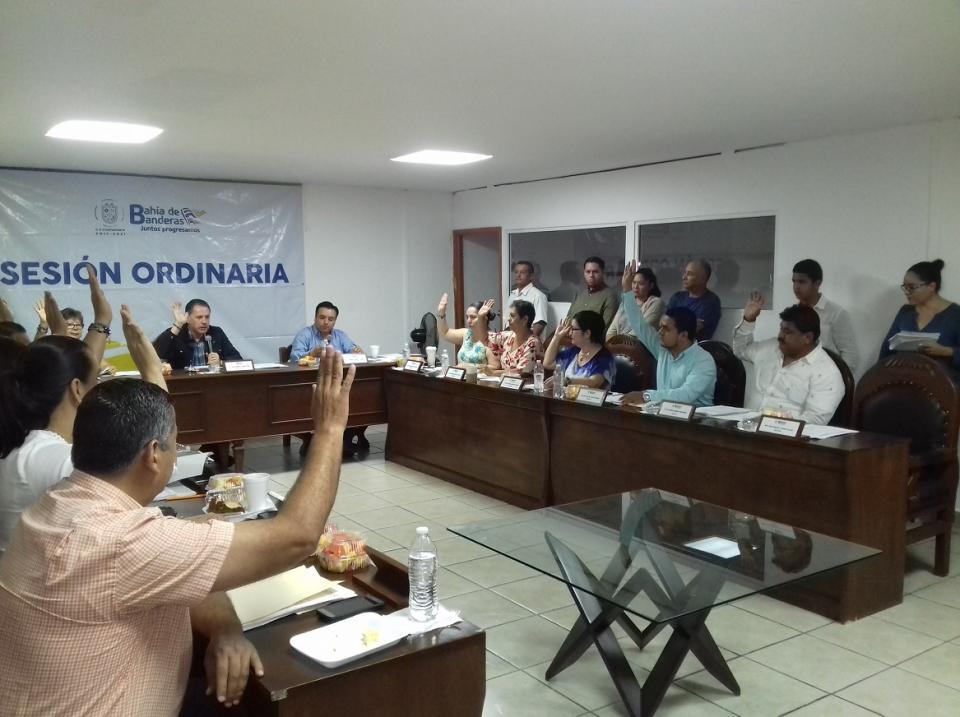 Regidores llevaron a cabo  sesión de cabildo en Bahía