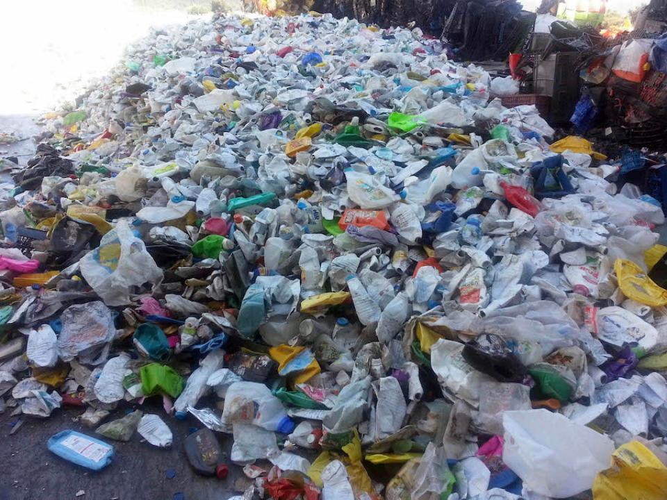 Proponen prohibir de manera gradual  productos de plástico y unicel