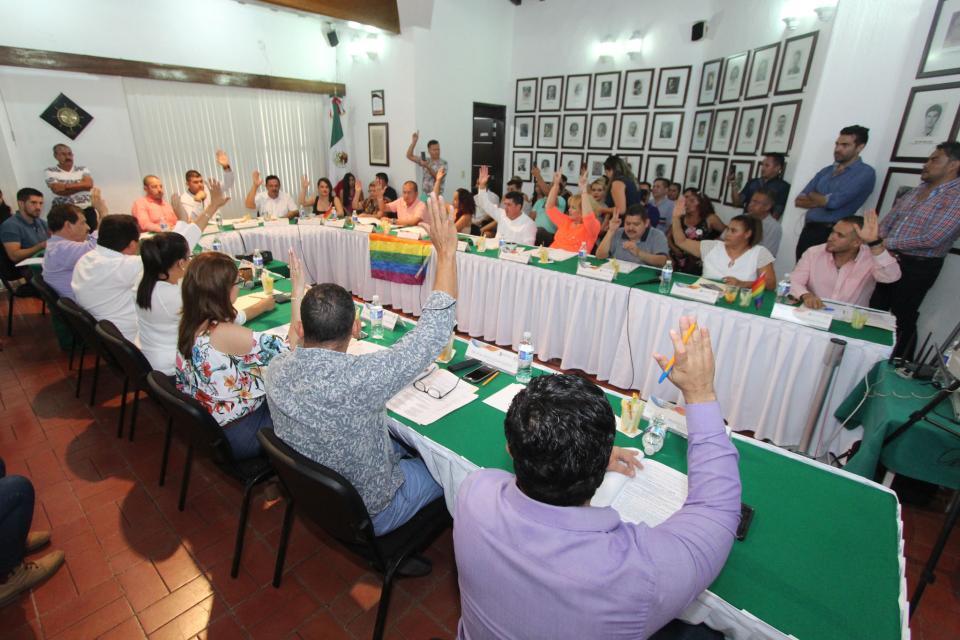 ANTE UN ADEUDO DE 14 MILLONES DE PESOS…  Aprueban suspender 15 días al alcalde y regidores por laudos