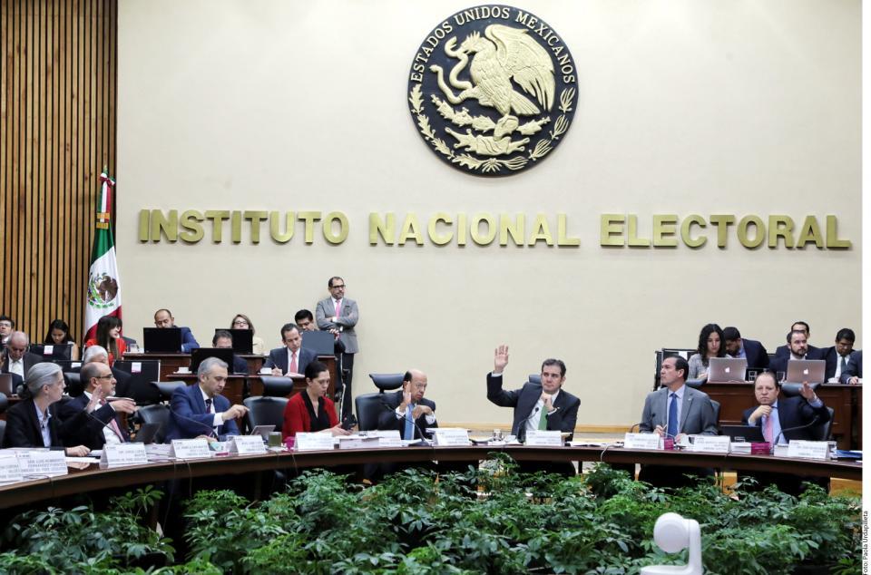 Multa INE a Morena con 197 mdp por financiamiento a damnificados