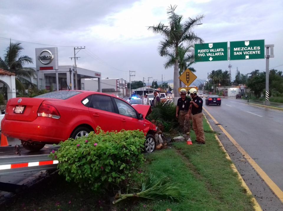Accidente en la carretera 200  deja tres niños lesionados