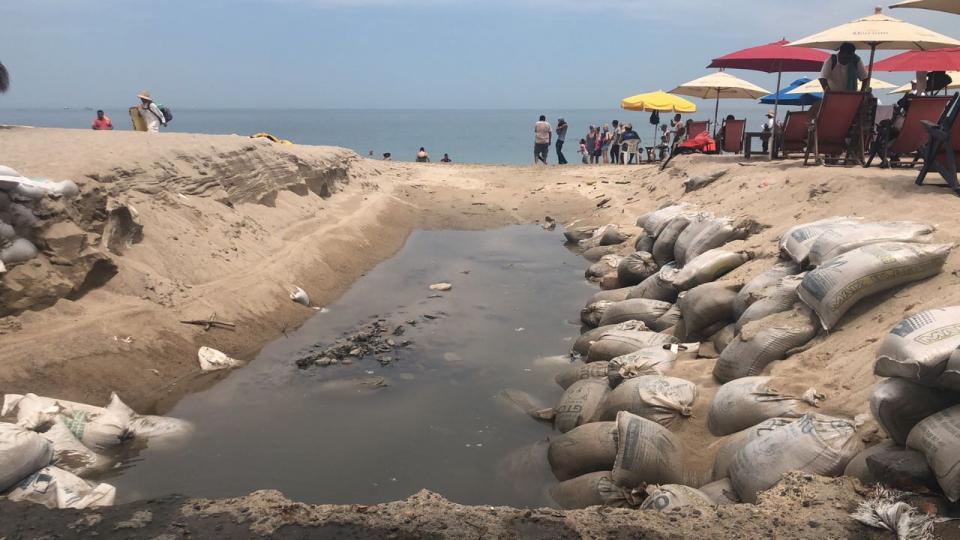 Informa Seapal Vallarta Agua de lluvia con basura y residuos desembocan en la Playa de Los Muertos