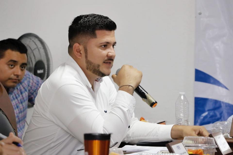 Bahía trabaja en armonía, orden y responsabilidad: Jaime Cuevas