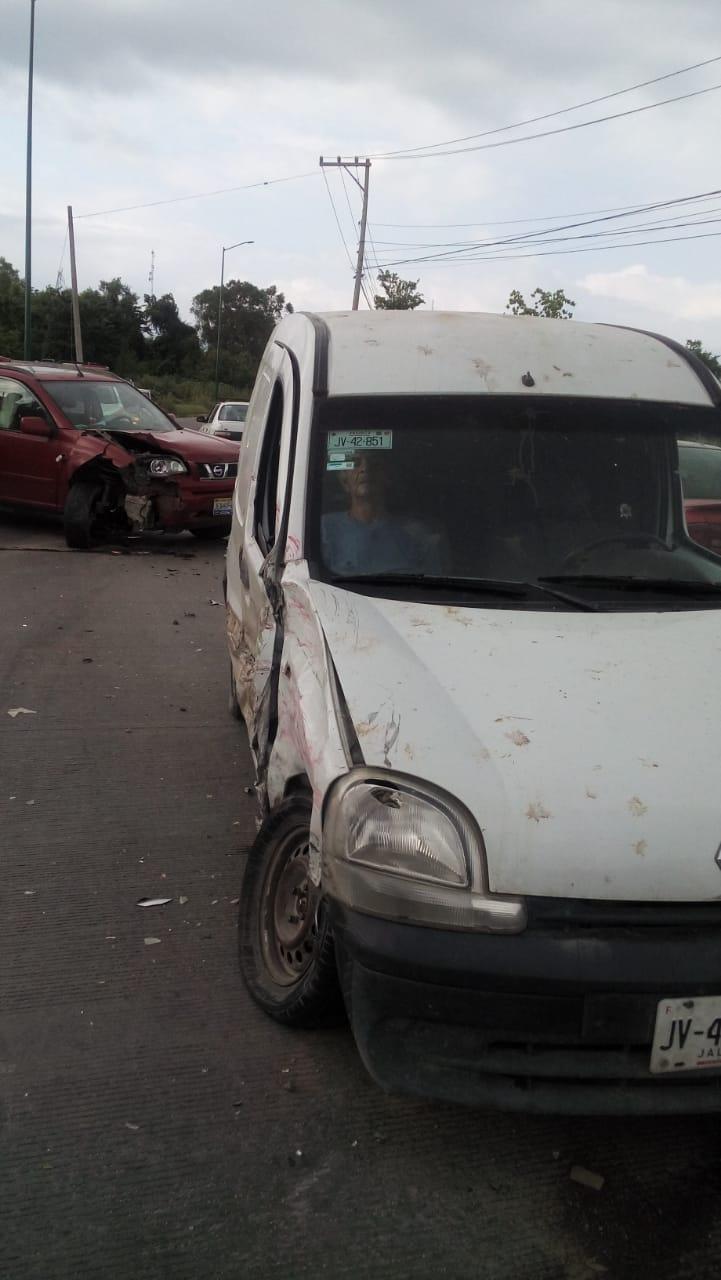 Aparatoso accidente en  la México rumbo a Ixtapa