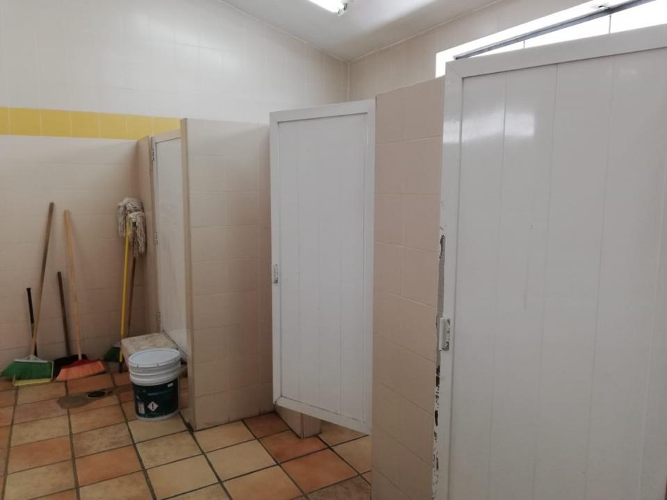 Falta más atención en los  baños públicos de PV