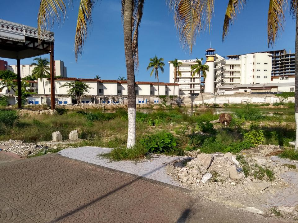 Denuncian mala imagen de terreno y  riesgo a personas en zona Hotelera