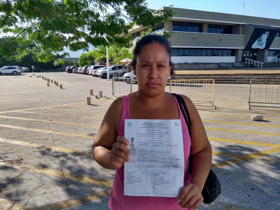 Denuncian emisión de certificados  falsos; escuela se defiende