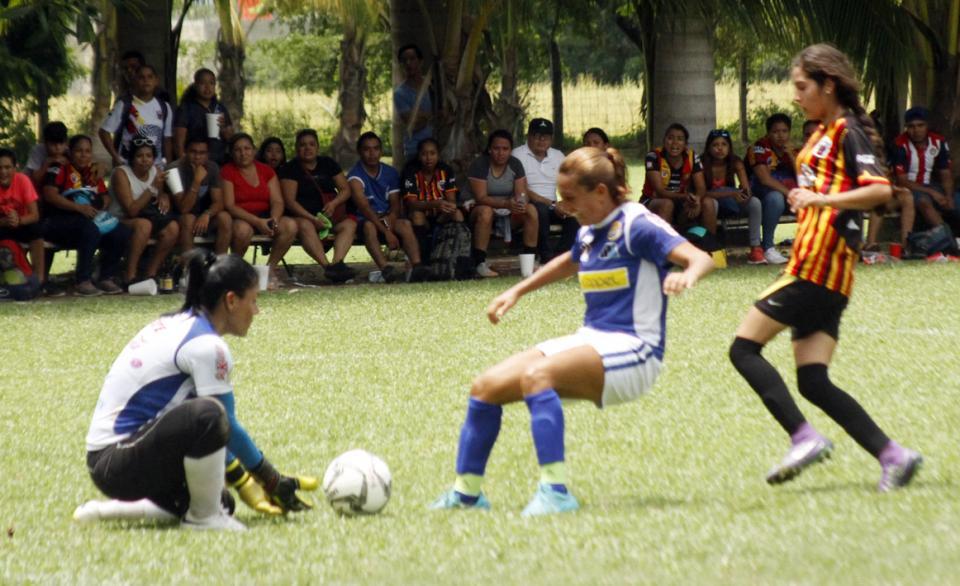 Fecha trece del  Futbol Femenil