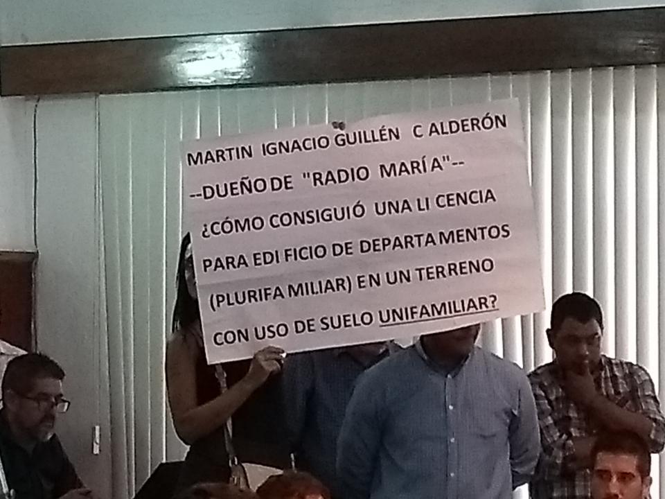 VECINOS DE LA COLONIA DÍAZ ORDAZ Se vuelven a manifestar por  construcciones irregulares