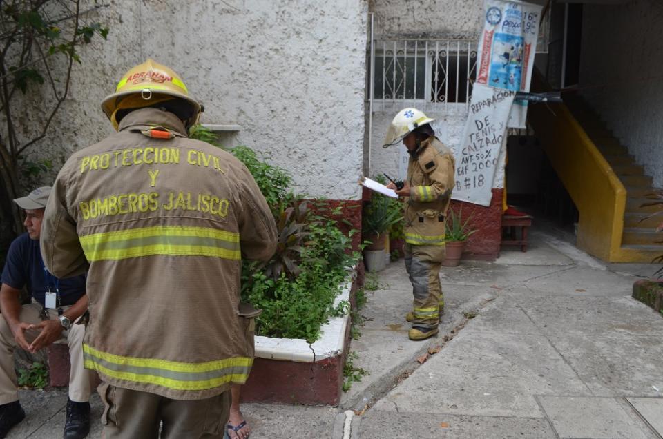 Hombre se quemó al prenderse su colchón mientras dormía