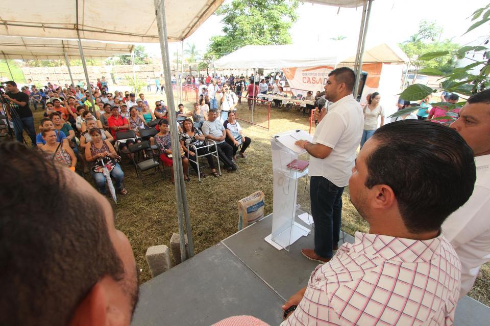 Exhorta alcalde a darle buen uso a los apoyos de Casa Digna