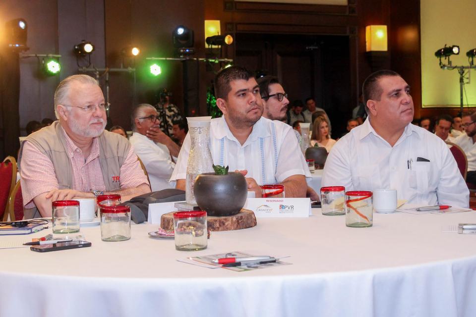 Participa Alcalde en foros de la reunión anual de Canadevi