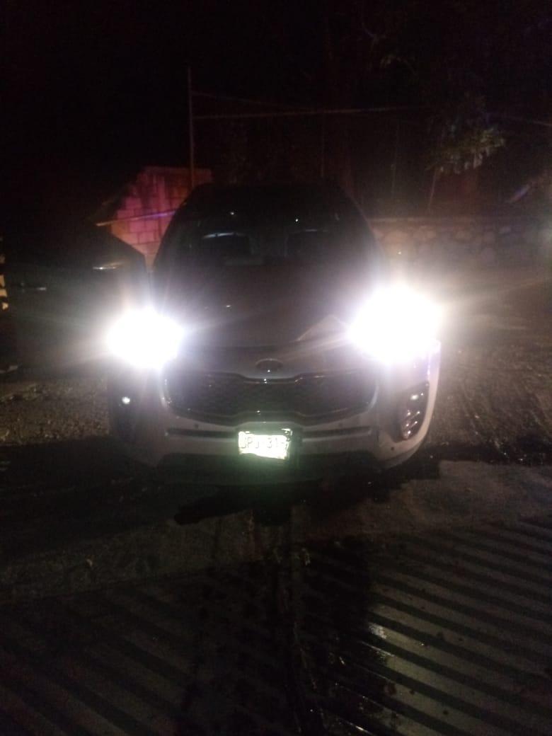A cachazos roban camioneta a vecino de La Floresta