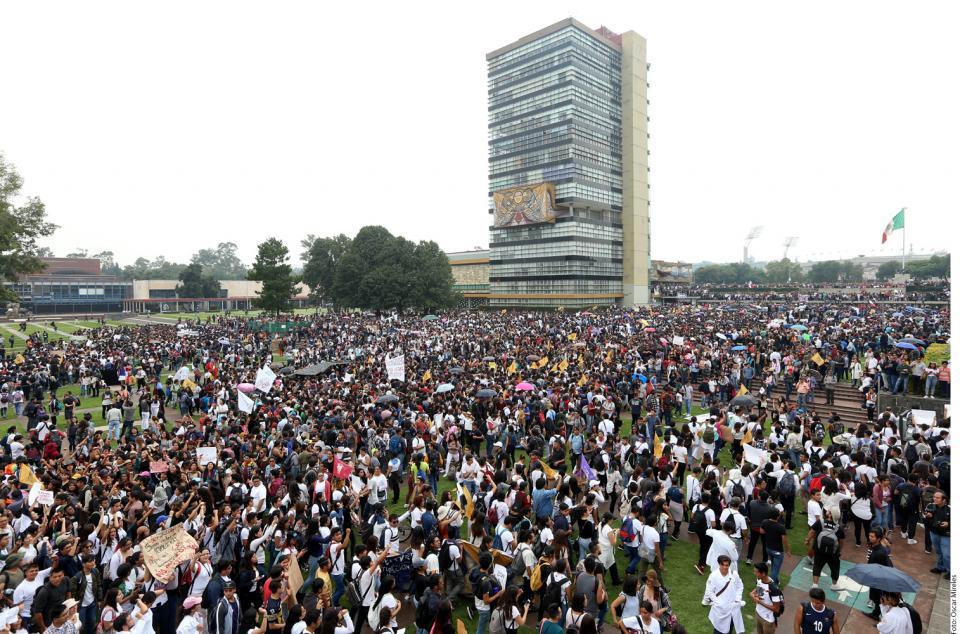 Prenden a UNAM  actos de violencia