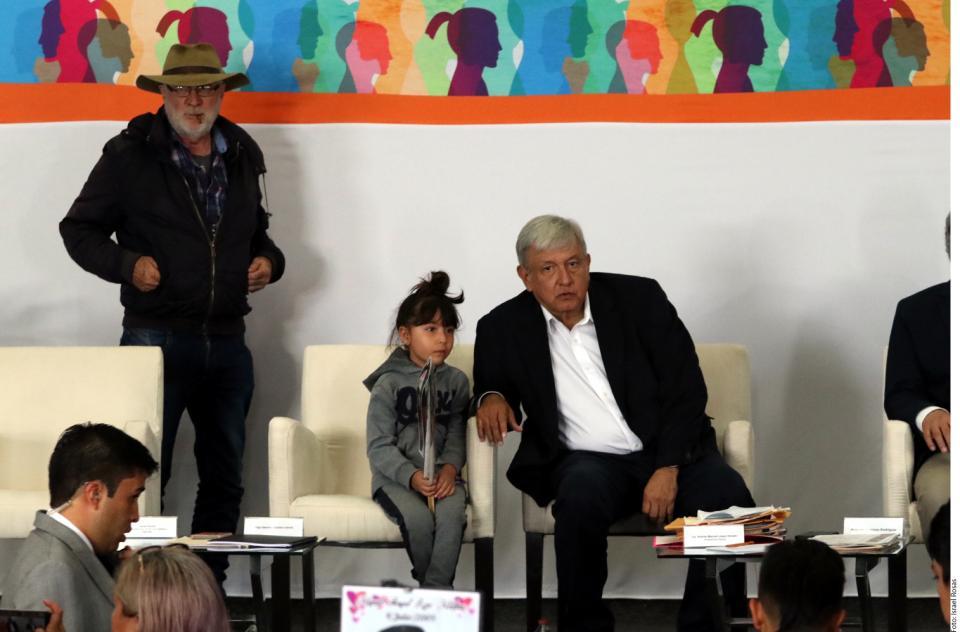 Advierte AMLO decadencia en  tráileres de cadáveres en Jalisco