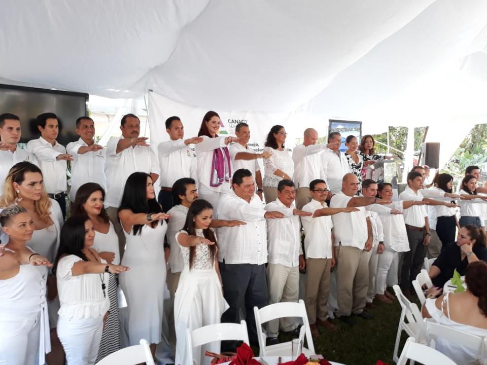 Rinde protesta Carlos Gerard Guzmán  como presidente de la Canaco Puerto Vallarta