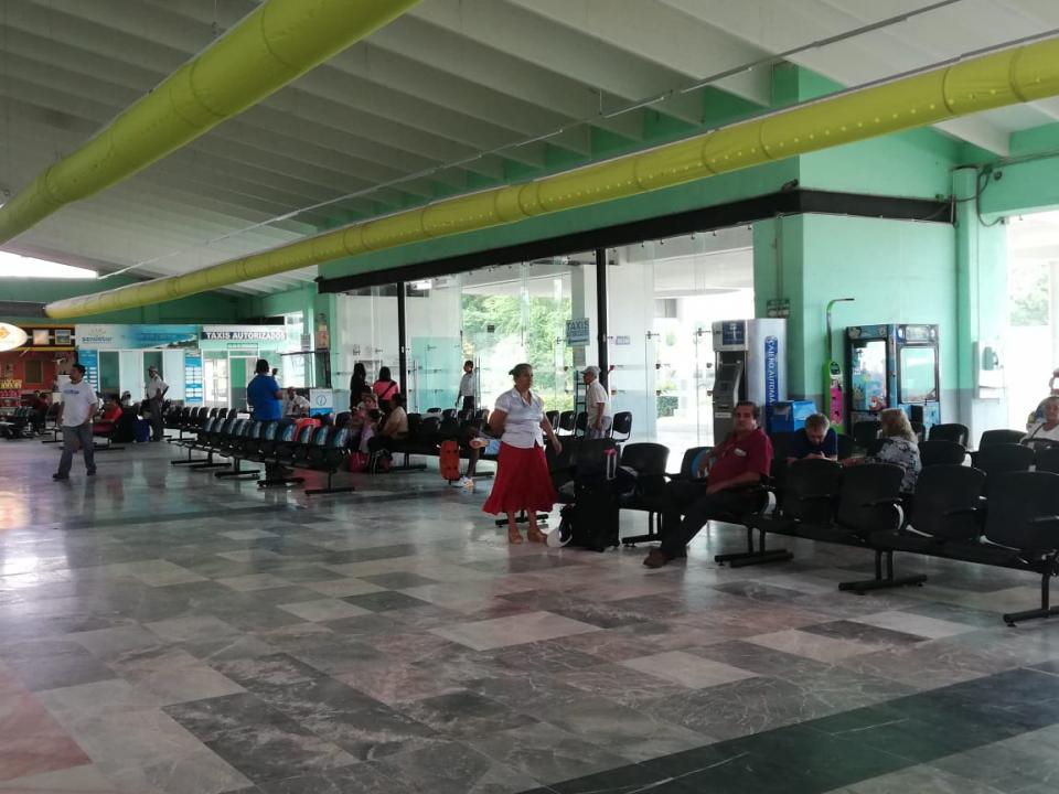 Baja la afluencia de pasajeros en  la Central de Autobuses de PV