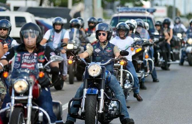 Celebran cientos de motociclistas  Choppers 5to Vallartazo Biker