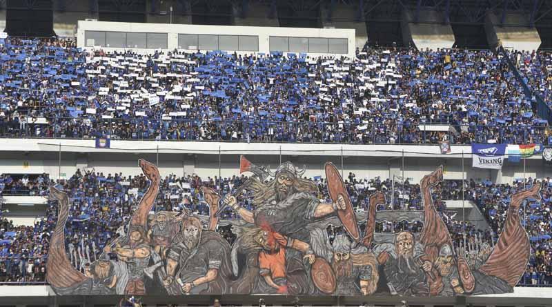 Aficionado al fútbol apaleado a muerte en Indonesia, 16 detenidos