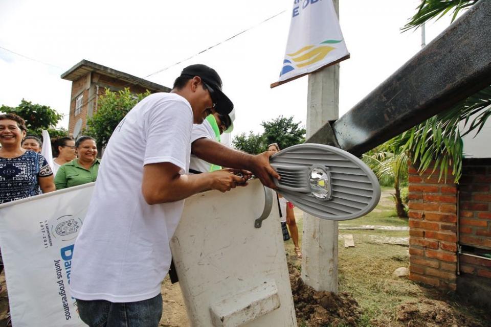 """""""Usted si está cumpliendo"""": Vecinos de Mezcales a Jaime Cuevas"""