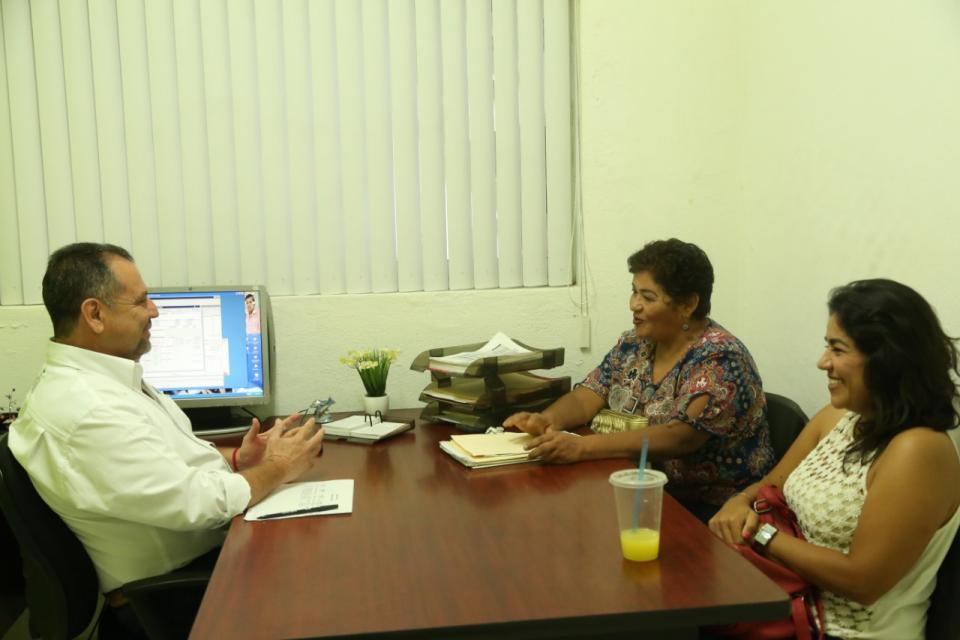 Encabeza Andrés jornada del Programa Acércate en Ixtapa