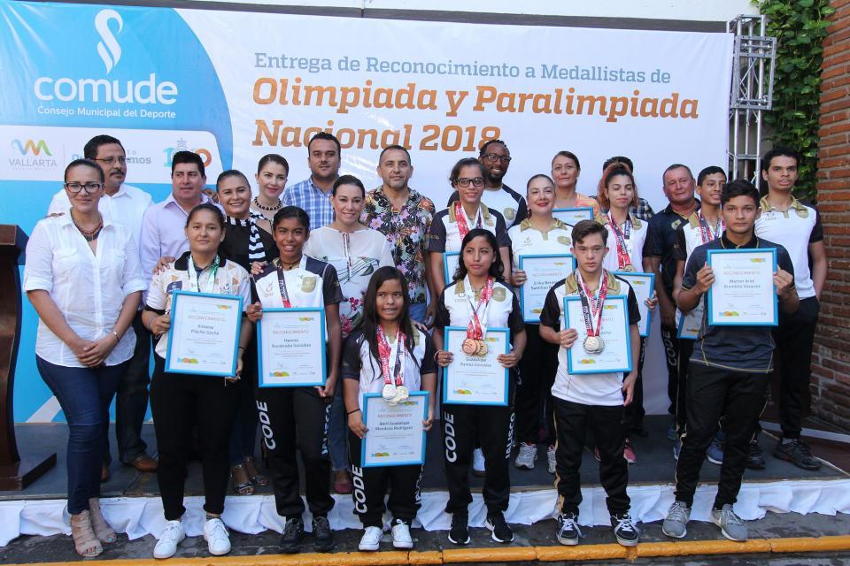 Puerto Vallarta, tierra de campeones; reconocen a medallistas