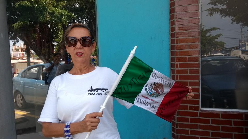 Maestra cesada del COBAEJ se  disculpa por cancelar manifestación