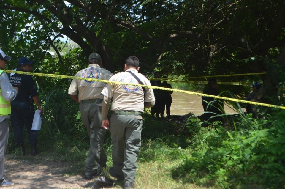 Mata cocodrilo a un  hombre en el Ameca