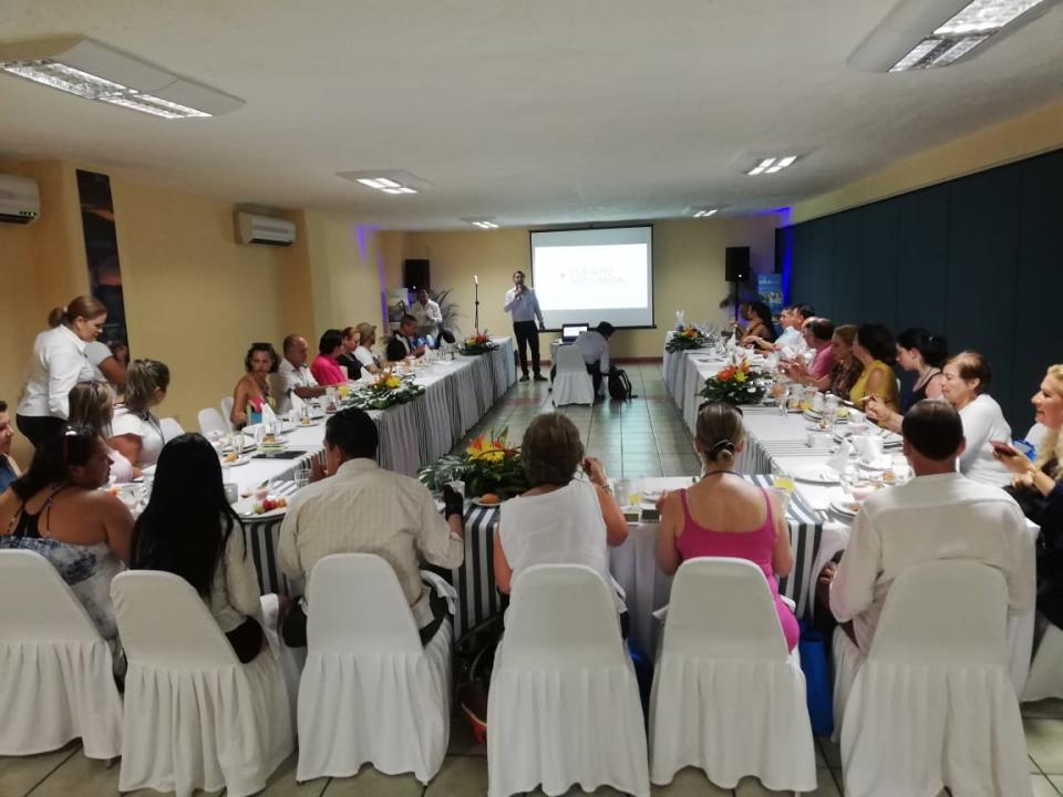 Enamora Puerto Vallarta a  agentes de viajes de Colombia