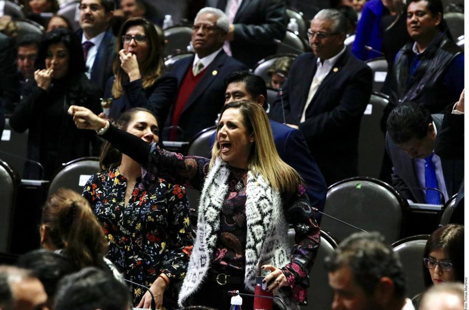Frustran legisladores desafuero al Presidente
