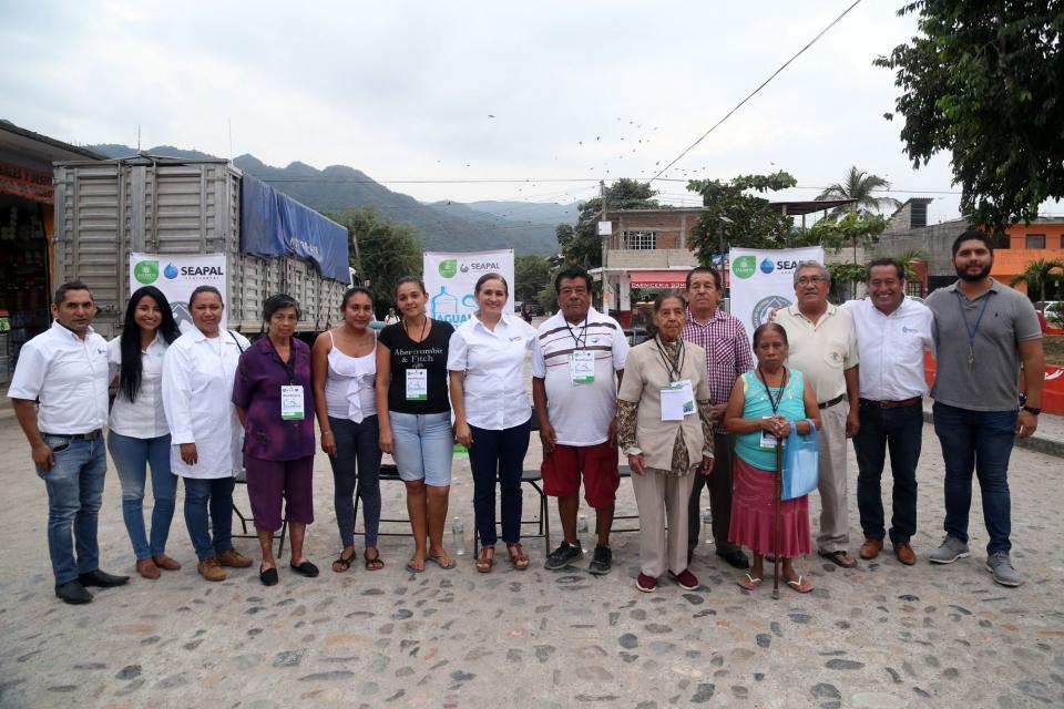Agradecen en San Esteban por la llegada del Aguamático