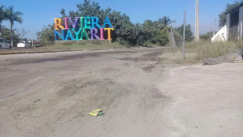 Baches de Jarretaderas empañan la  imagen de entrada de Bahía de Banderas
