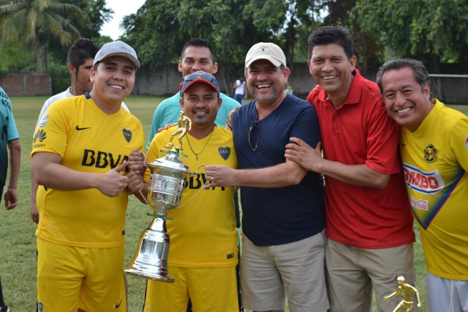 Encabeza Andrés premiación del Torneo Interno de futbol de Seapal