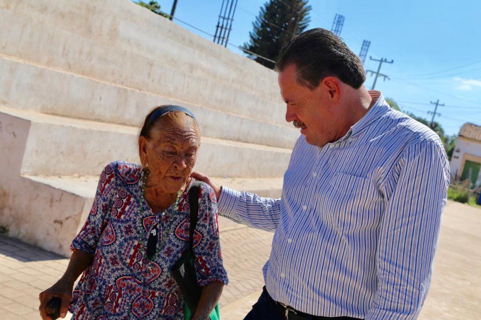 Llevan Gobierno y DIF de Bahía 36 toneladas de ayuda a Ruiz y Huajicori